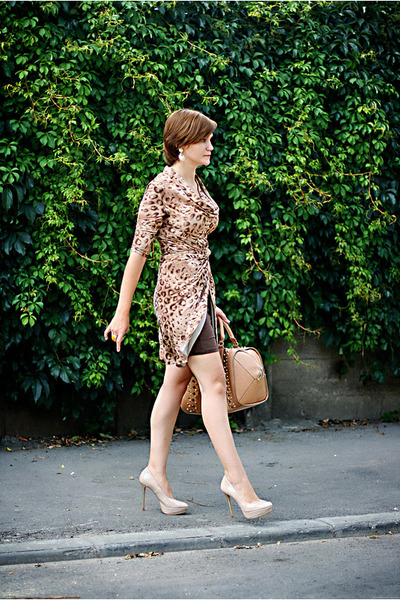 tawny Zara bag - beige Zara shoes - brown leopard print dress