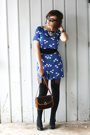 blue vintage dress - black asos tights - brown vintage bag