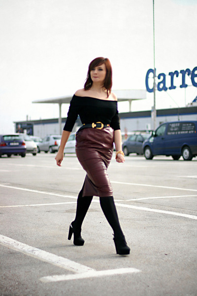 crimson leather vintage skirt - black Forever 21 shoes - black H&M top