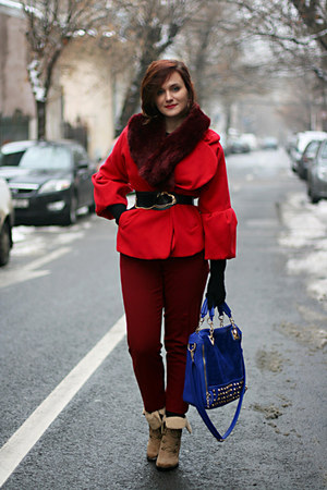 crimson vintage pants - brick red faux fur H&M scarf
