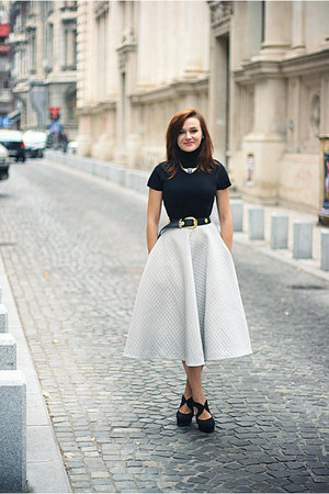 black midi H&M skirt - Forever 21 shoes - gold OASAP necklace