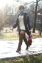 brown Stradivarius boots - off white vintage sweater