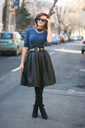 black pleather skirt - black OASAP sunglasses