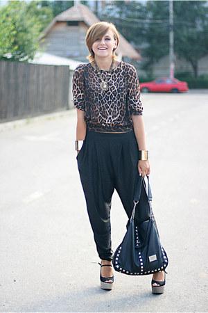 brown animal print new look top - black harem River Island pants