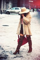 Stradivarius boots - faux fur vintage coat - velvet Etro skirt