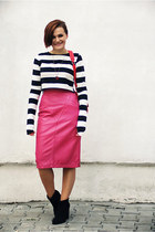 hot pink leather vintage skirt - black ankle Zara boots