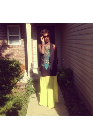 yellow chiffon skirt Forever21 shirt - black tribal shirt Forever21 shirt