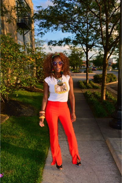 white t-shirt - red bell-slit pants Forever 21 pants