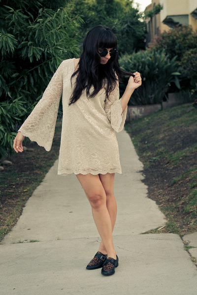 lace Electric Frenchie dress