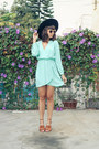 Electric-frenchie-dress-chelsea-house-of-harlow-sunglasses