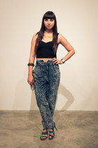acid wash-baggy vintage jeans - Sole Society shoes - cropped Motel Rocks top