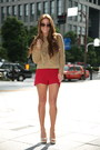 Camel-zara-sweater-red-katie-may-shorts-camel-zara-pumps