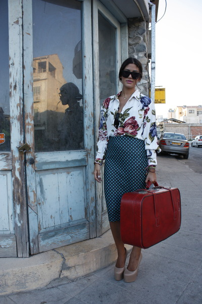 white floral ErmaRolla shirt - red ErmaRolla bag - nude Topshop pumps