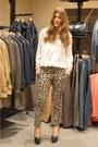 Camel-mango-blazer-white-mango-shirt-camel-mango-pants