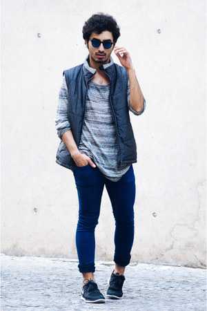 LUKE 1977 vest - denim Bershka jeans - h&m divided shirt - nike sneakers
