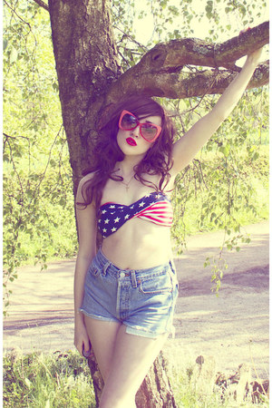 hot pink red romwe sunglasses - sky blue denim Urban Outfitters shorts