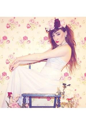 periwinkle silky lilac vintage dress - white studs OASAP earrings