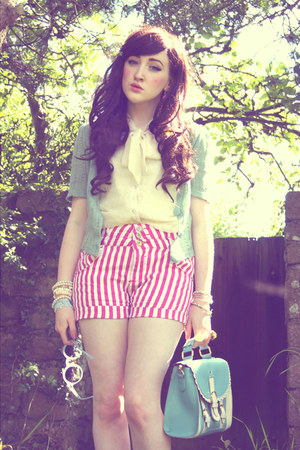bubble gum AX Paris shorts - turquoise blue OASAP bag