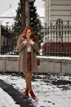 brown faux leather H&M skirt - brick red Deichmann boots - dark brown Oasis coat