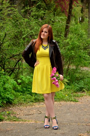 yellow Orsay dress - dark brown biker Mango jacket - navy Zara heels