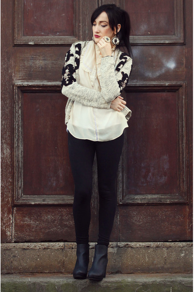 black new look leggings - off white River Island cardigan