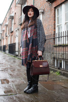 brick red burgundy bag Accessorize bag - black black boots Primark boots
