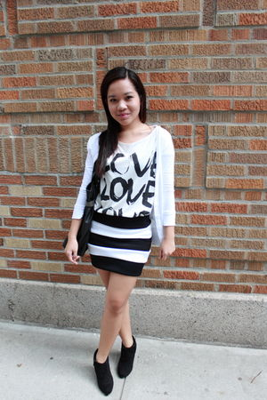 white Forever 21 top - black skirt - black boots - white cardigan