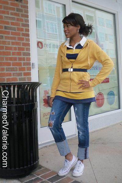 ccda581f634 mustard Target hoodie - blue Vigoss jeans - white Converse shoes