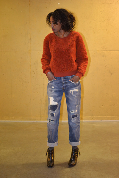 Ellos shoes - blue boyfriend fit Zara jeans - burnt orange Monki sweater