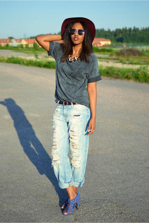 boyfriend Zara jeans - acid wash Cubus t-shirt - Zara heels