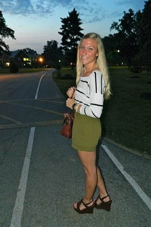 Forever 21 shirt - NY&Co purse - Urban Outfitters shorts - Target wedges