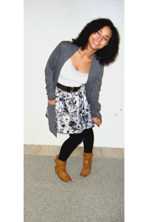 black leggings - gray H&M skirt - brown boots - white top - gray cardigan - blac