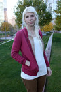 Black-minnetonka-shoes-brick-red-levis-jacket-ivory-target-shirt