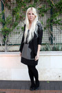Dark-gray-levis-shirt-black-we-love-colors-tights