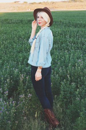 dark brown cowboy Justins boots - blue skinny jeans Gap jeans