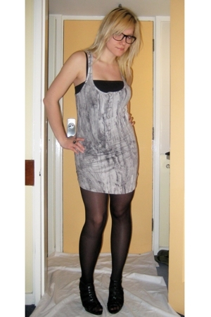 Bershka dress - thrifted top - Newlook shoes - Ebay glasses - Primark tights