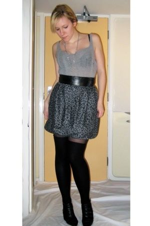 thrifted skirt - H&M top - Topshop belt - H&M socks - Newlook shoes