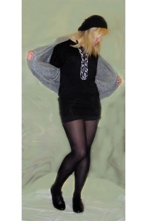 vintage belt - Topshop hat - Newlook top - thrifted shorts - Primark sweater - T