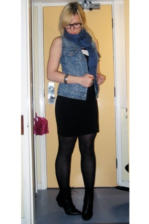 thrifted jacket - H&M dress - thrifted boots - H&M scarf - Ebay glasses - River