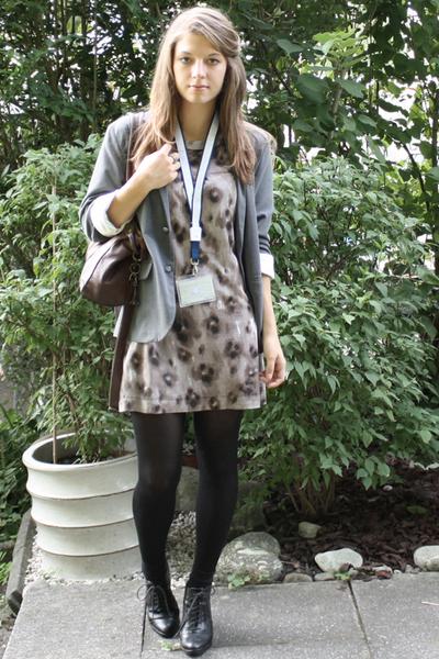 Zara dress - Hanjiro blazer - H&M boots - Vero Moda accessories