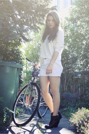La Redoute shorts - from copenhagen Bianco wedges - H&M jumper