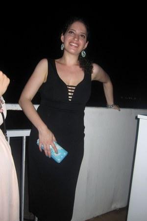gold turquoise gift bracelet - black polyester asos dress - nude Fergie pumps