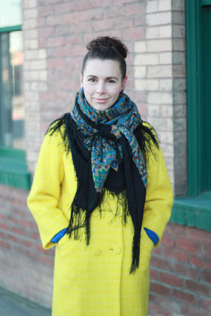 yellow bright vintage coat - blue traditional russian scarf