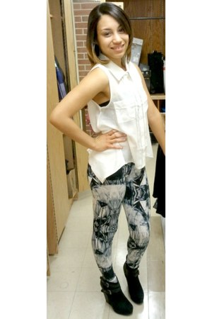 heather gray printed Forever 21 leggings - white sheer blouse - black wedges