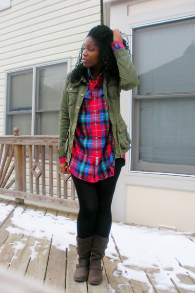Brown Rocket Dog Boots, Green H&M Jackets, Red Thrift Store Shirts ...