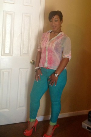 turquoise blue Rue 21 pants - light pink Dolled Up by FANG blouse