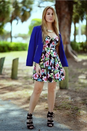 Modaxpress dress - Modaxpress jacket - Hot Miami Styles sandals