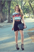 Skirt skirt - Chanel bag - Hot Miami Styles blouse