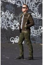Zara jacket - Kenneth Cole boots - J-Crew shirt - Ray Ban sunglasses