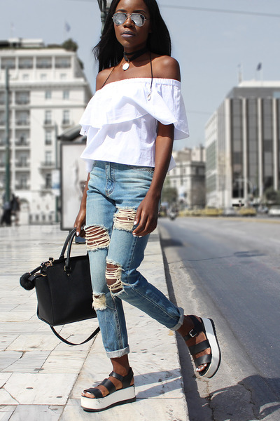 white off shoulder Bershka top - light blue distressed Missguided jeans